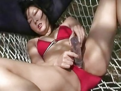 Stuffing her wet vagina with a sex toy so damn dee