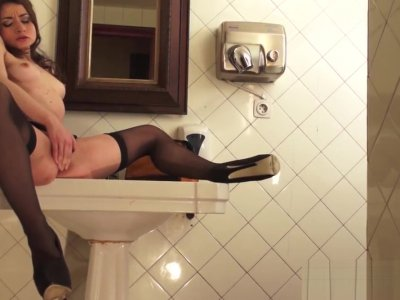 Public Bathroom SQUIRTING
