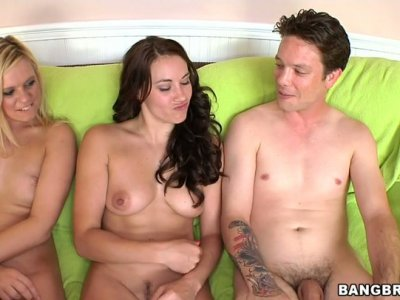 Skinny men bang Yasmine Gold, Vanessa Leon and Dahlia Sin