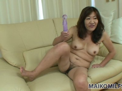 Ugly Japanese mommy Michiko Okawa masturbates with dildo